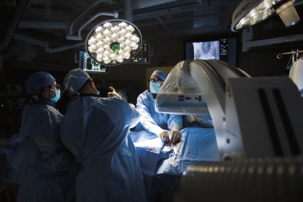 Abdominal aortic aneurysm repair procedure